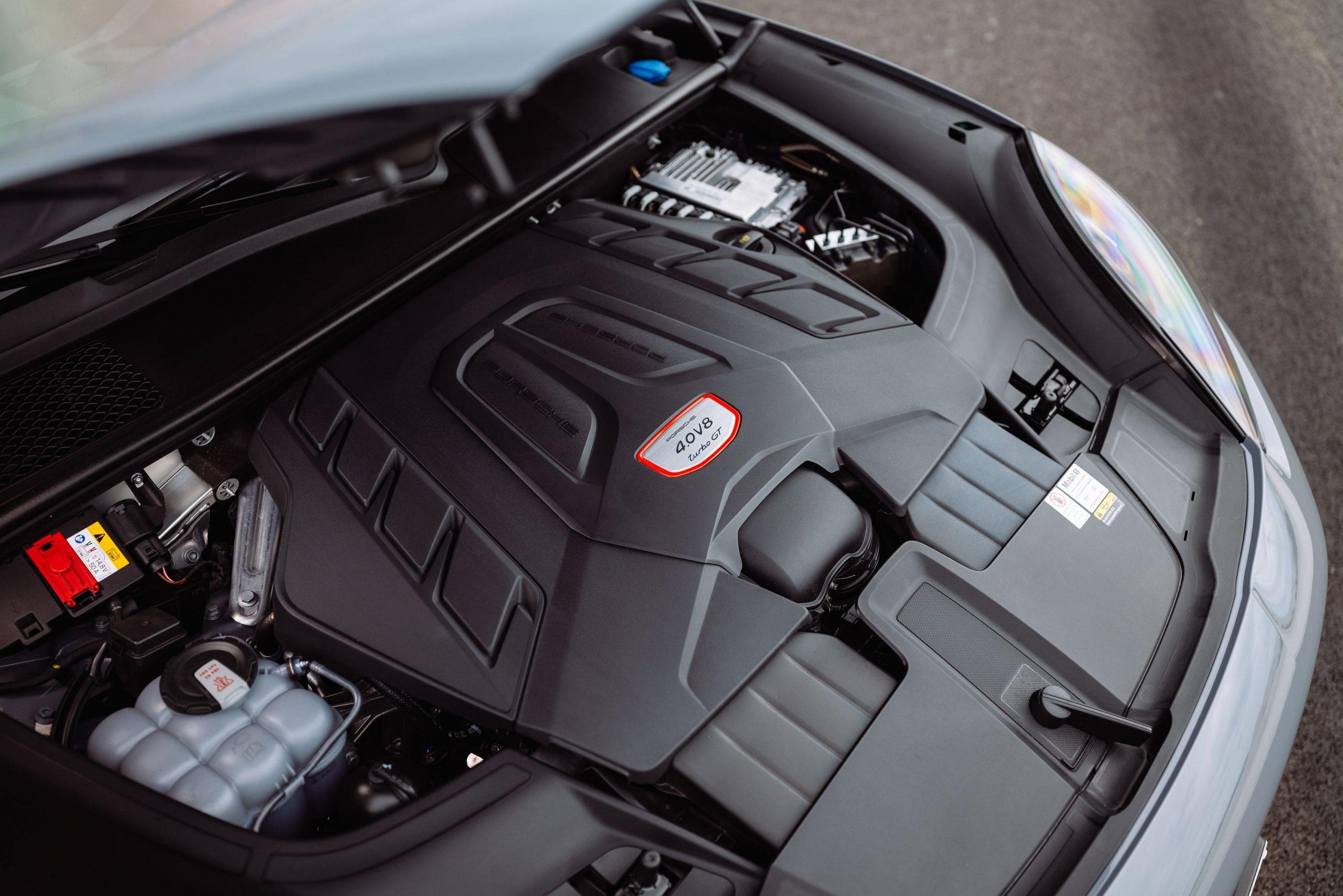 Engine in a Porsche Cayenne Turbo GT