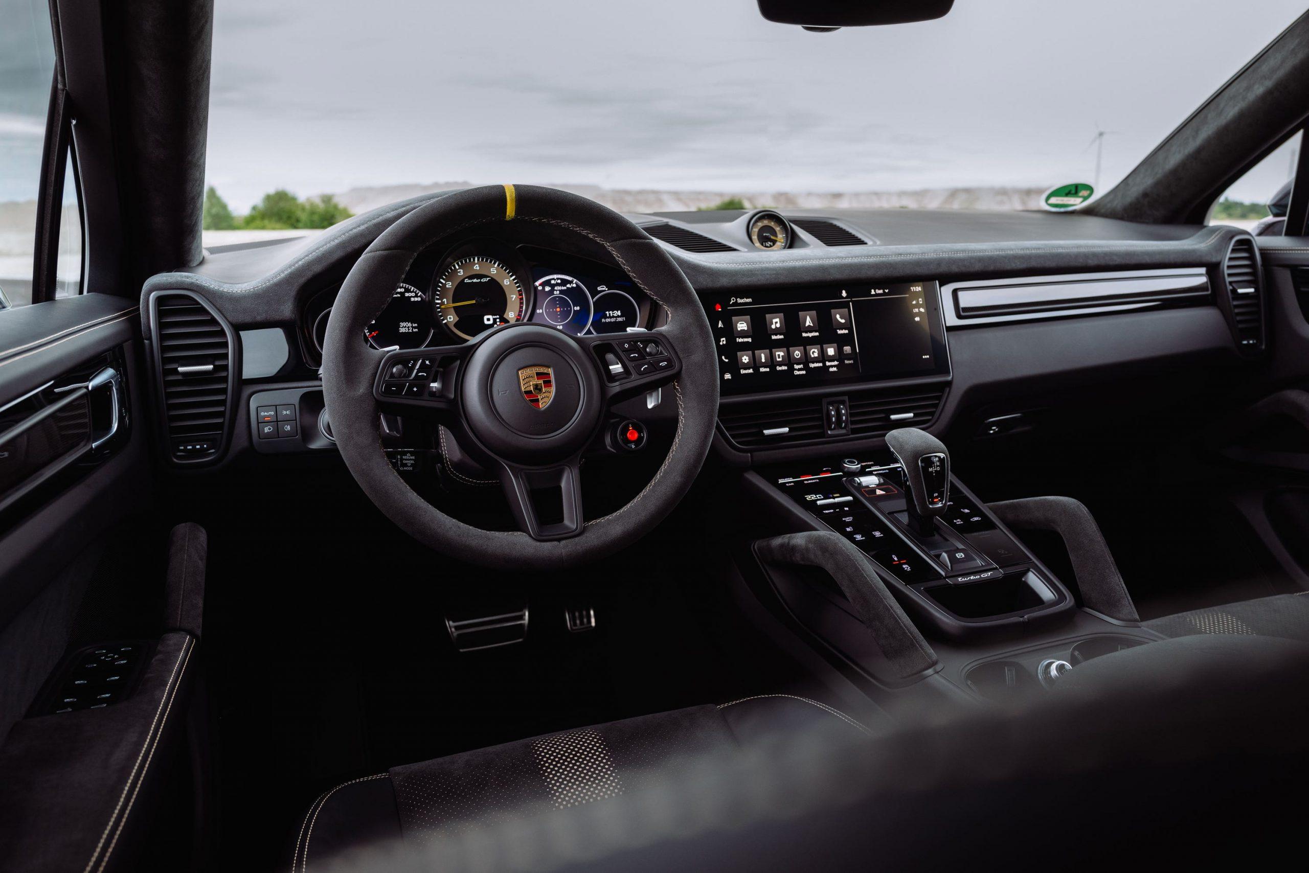 Interior of Porsche Cayenne Turbo GT